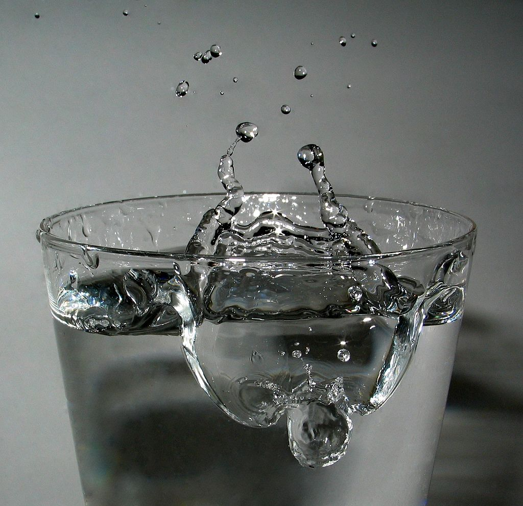 Drop impact - Wikimedia Commons